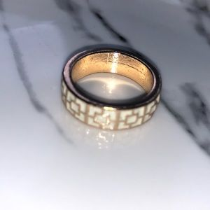 Jewelry - Gold & White ring